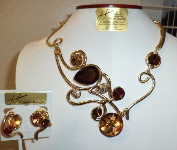 Couture 841 - Necklace