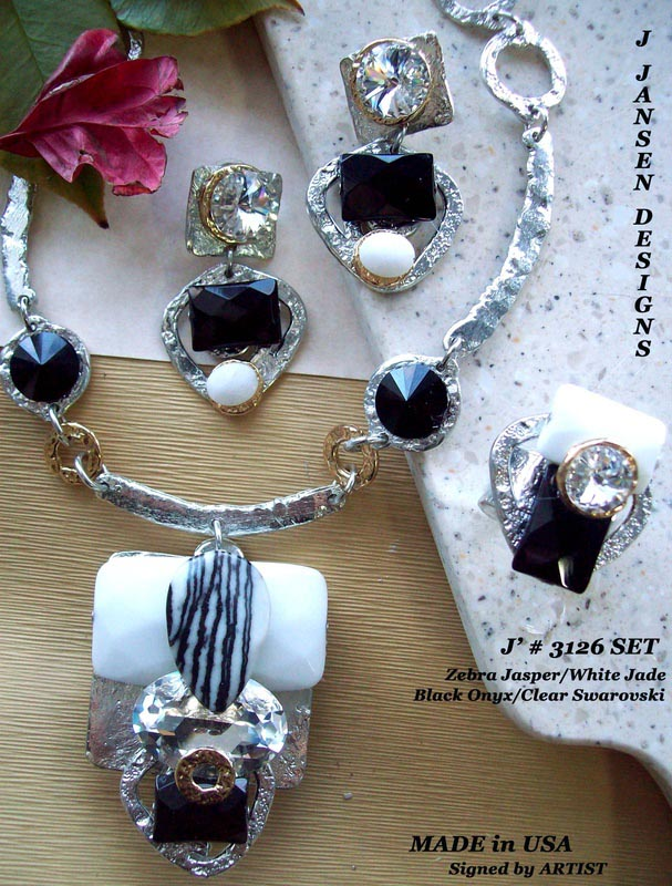 Couture 902 - Necklace