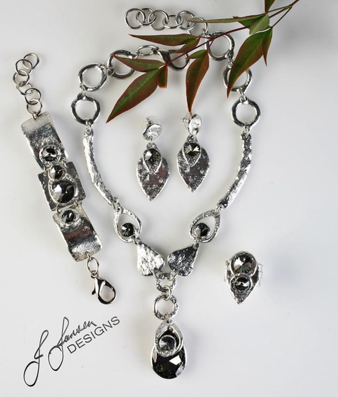 Classic Elegance 194 - Necklace