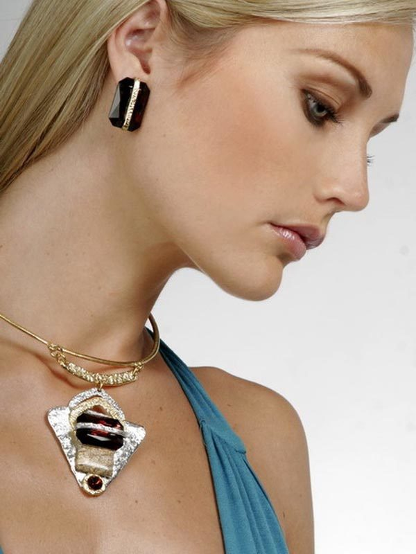 Classic Elegance 196 - Necklace