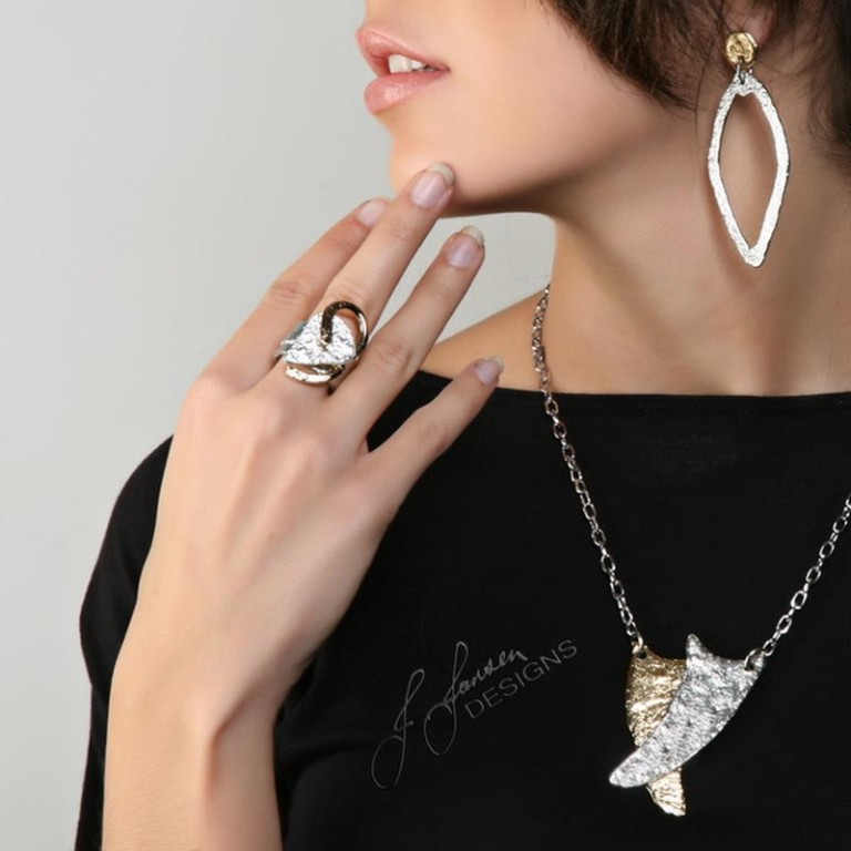Classic Elegance 203 - Necklace