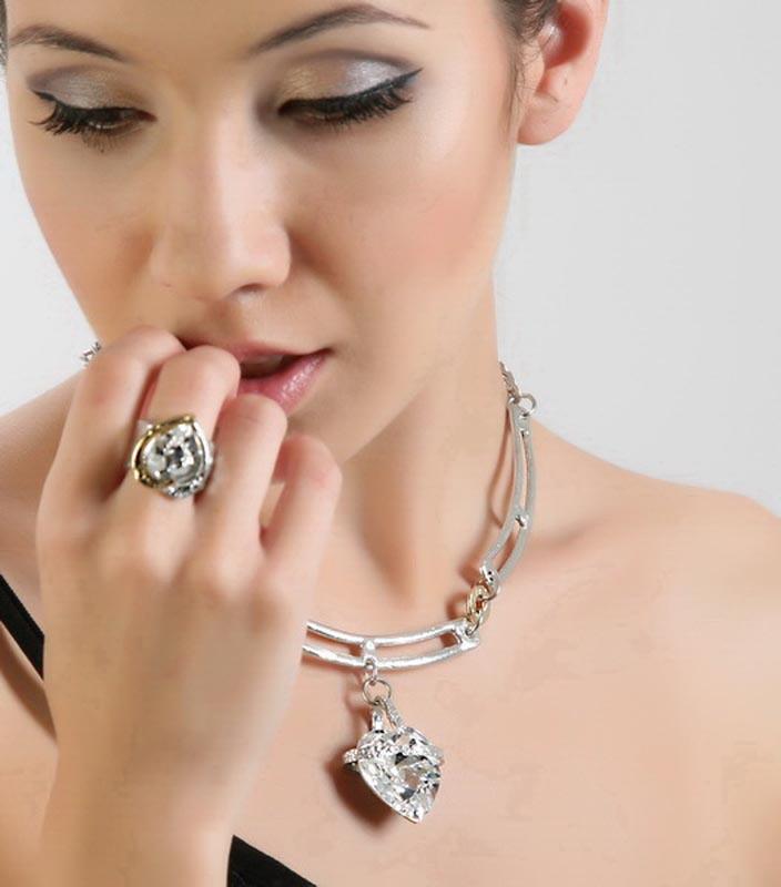 Classic Elegance 258 - Necklace