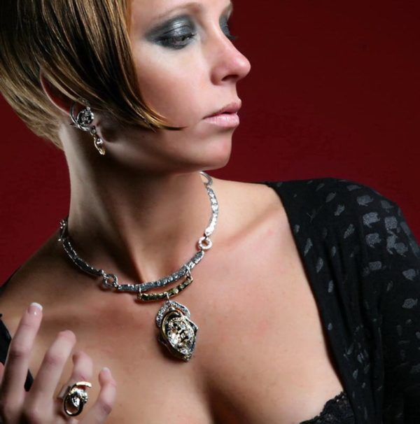 Classic Elegance 288 - Necklace