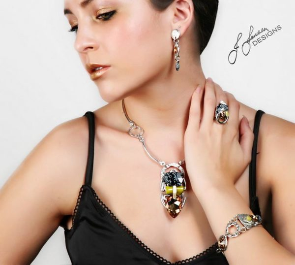 Classic Elegance 295 - Necklace