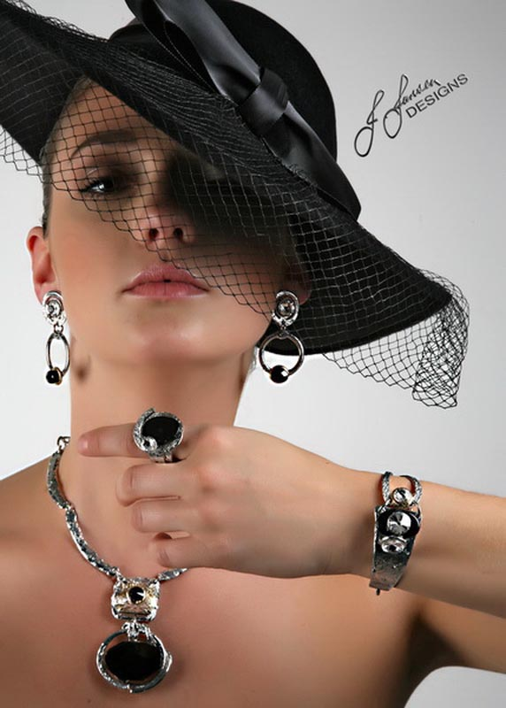 Classic Elegance 302 - Earrings