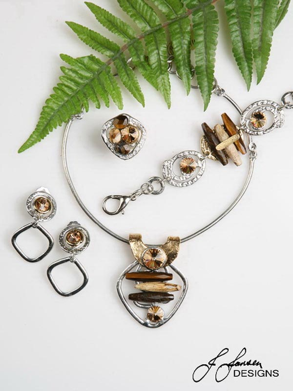 Classic Elegance 322 - Necklace