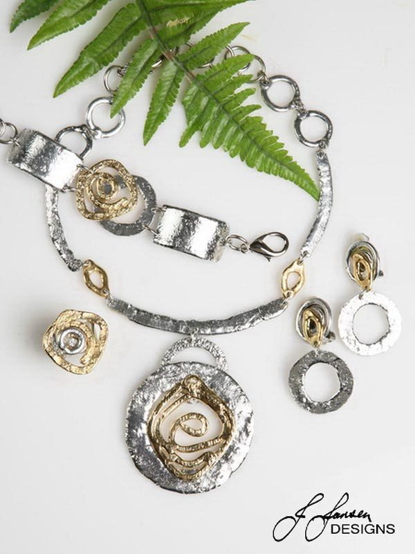 Classic Elegance 368 - Necklace