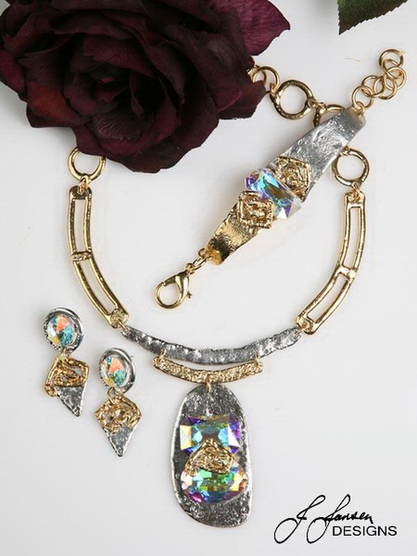 Classic Elegance 409 - Necklace