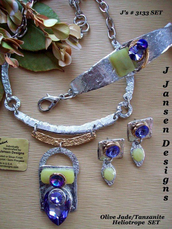 Classic Elegance 886 - Necklace