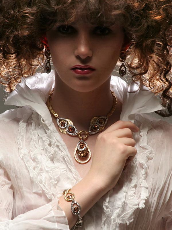 Classic Elegance 92 - Necklace