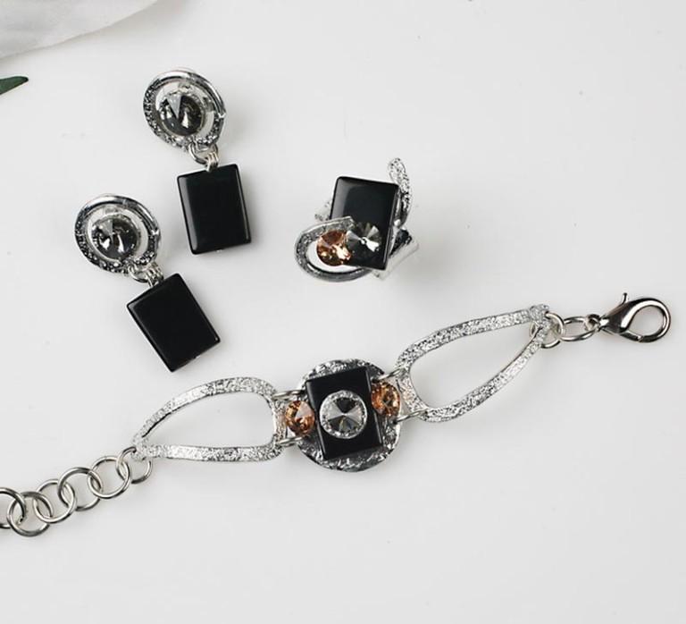 Earrings Bracelets & Rings 201 - Set