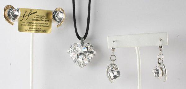 Hearts 382 - Dangle - Earrings