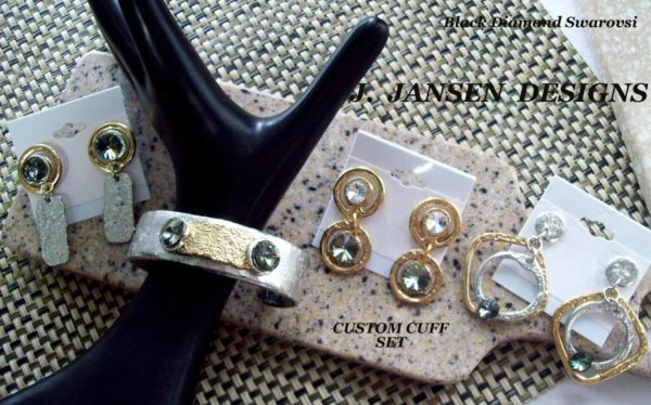 Cuff Bracelet 476 - Middle - Earrings