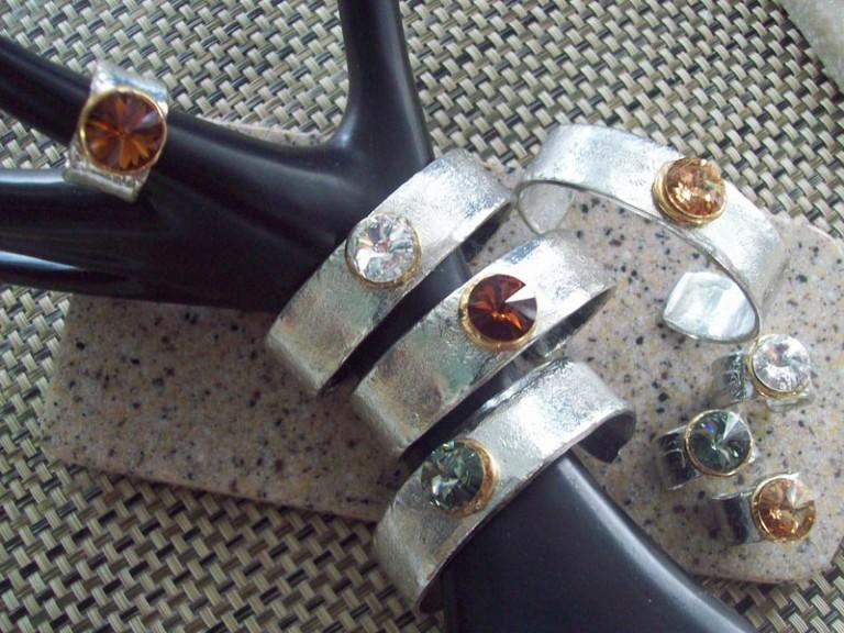 Cuff Bracelet 481 - Ringing